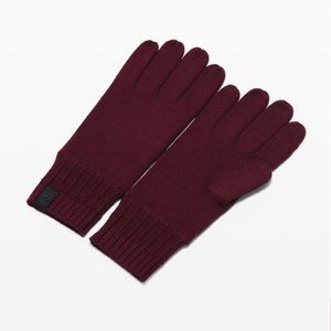 Lululemon Garnet Tech and Toasty Knit Gloves New